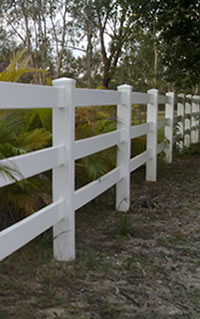 FENCETASTIC :: PVC Fencing and Decking News